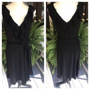 💕💕LOVELY White House Black Market flowy Dress